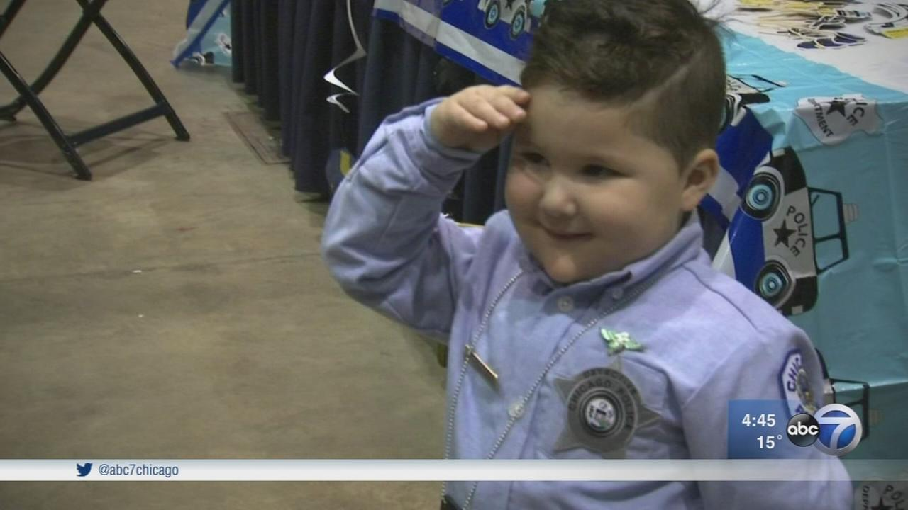 Boy, 3, fulfills Make-a-Wish to be Chicago officer for day