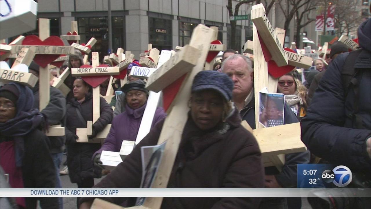 March through downtown Chicago marks year of violence
