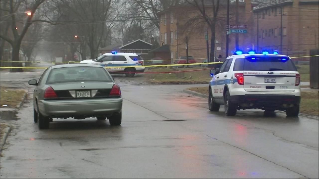 Robbins officer kills alleged robber in Chicago