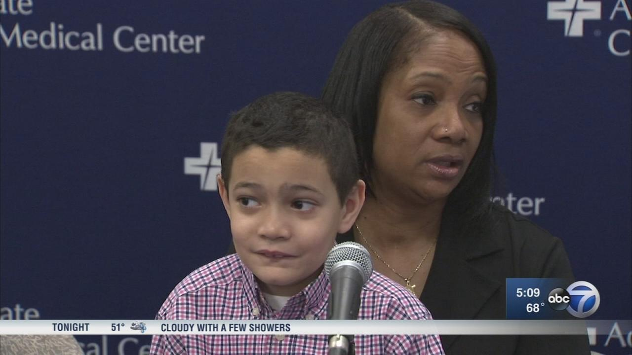 Chicago boy, 7, helps save mother suffering from stroke