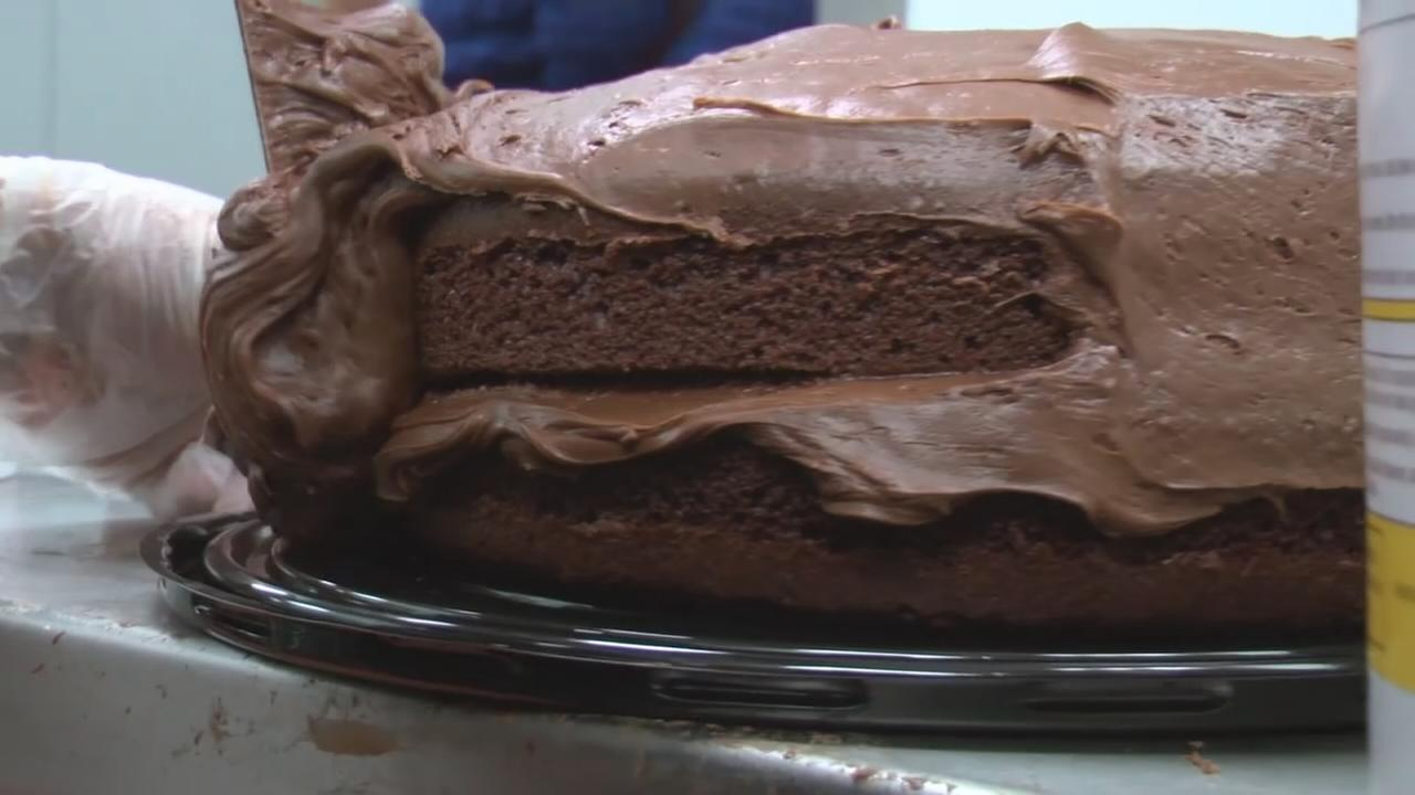 Portillos gives out 54-cent chocolate cake slices