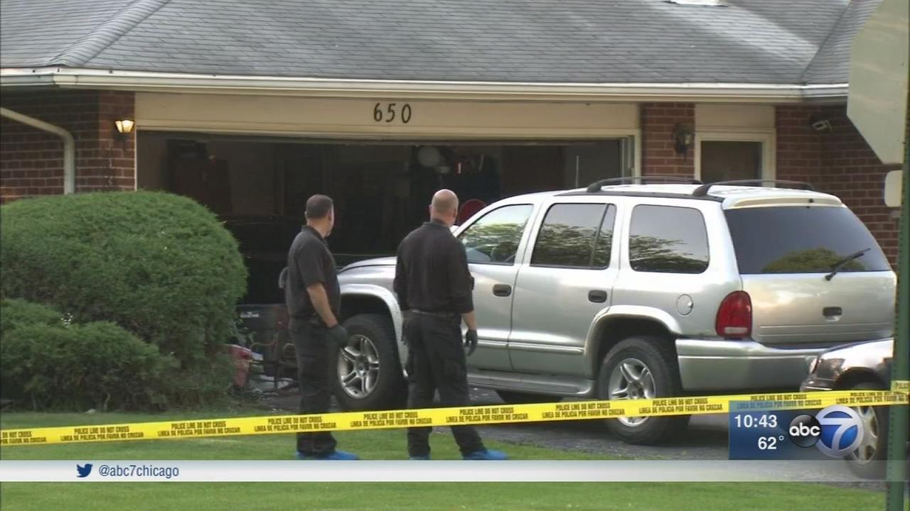 Police conducting death investigation in Des Plaines home
