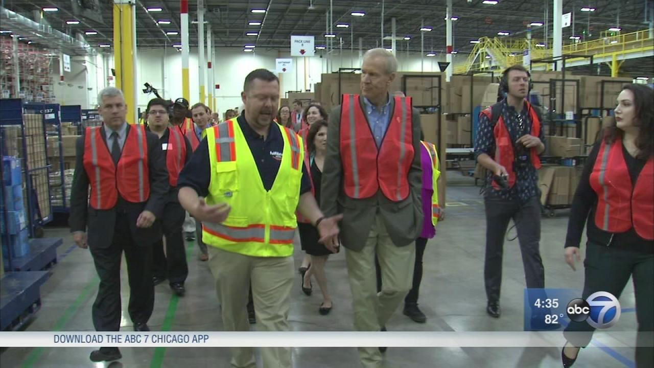 Democrats hold budget hearing while Rauner tours Amazon fulfillment center
