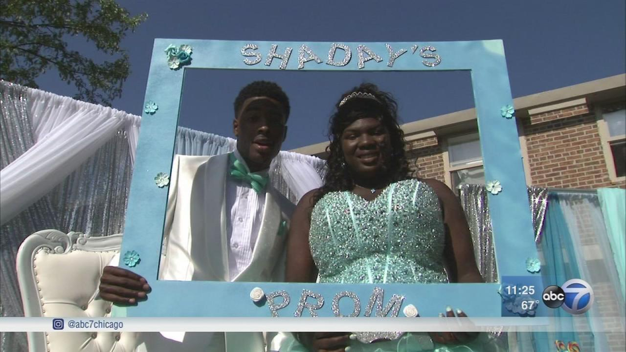 Chicago teen helped by fairy godmothers heads to prom