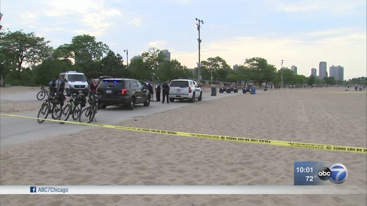 2 stabbed at North Avenue Beach