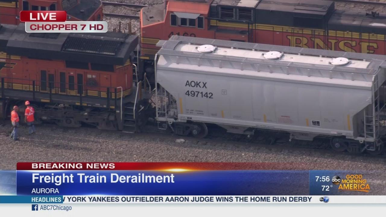 Freight train derails on Metra BNSF line