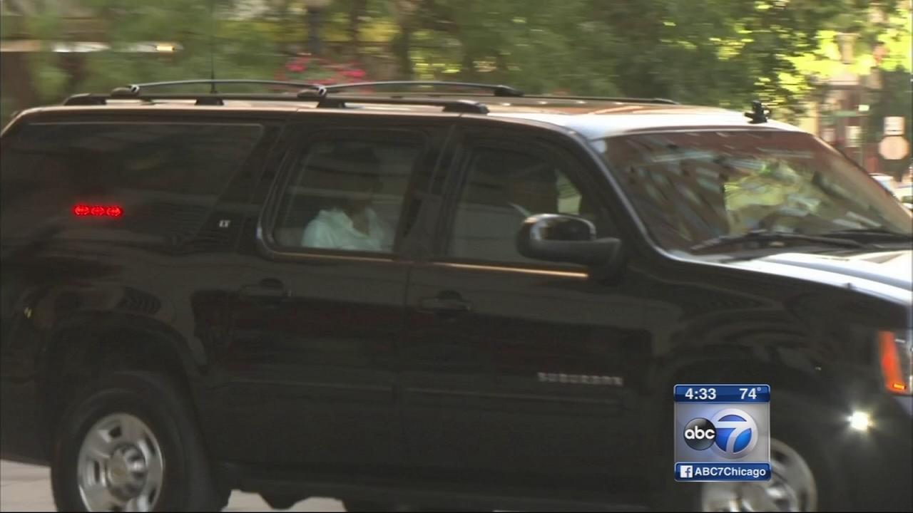 First Lady Michelle Obama, daughters leave Chicago after visit