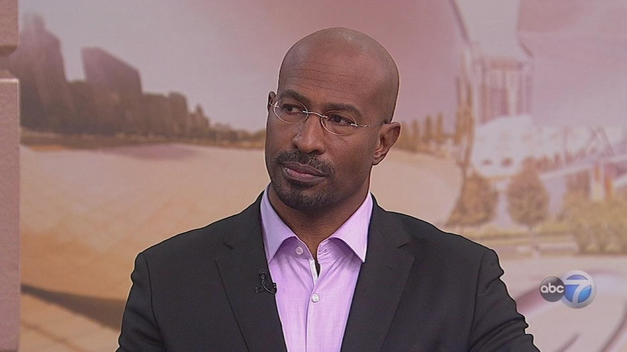 Van Jones stops by before Chicago Theatre show