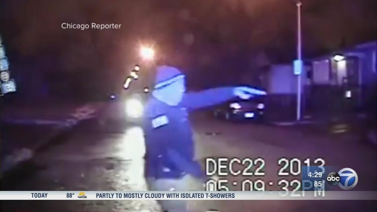 Chicago cop faces trial in 2013 shooting