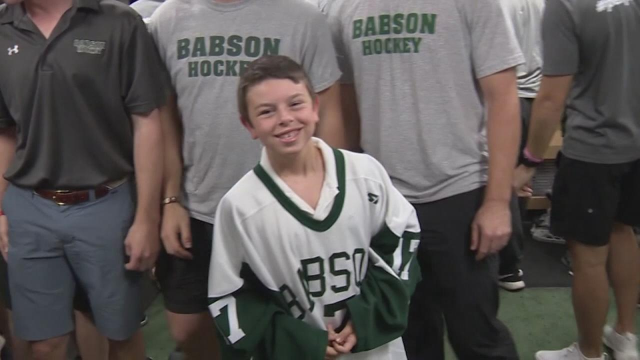 Chronically ill 4th grader recruited by college hockey team