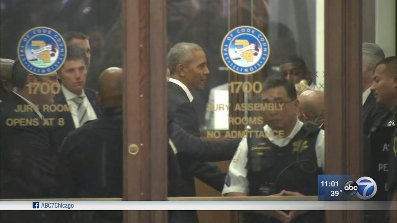 Obama reports for jury duty