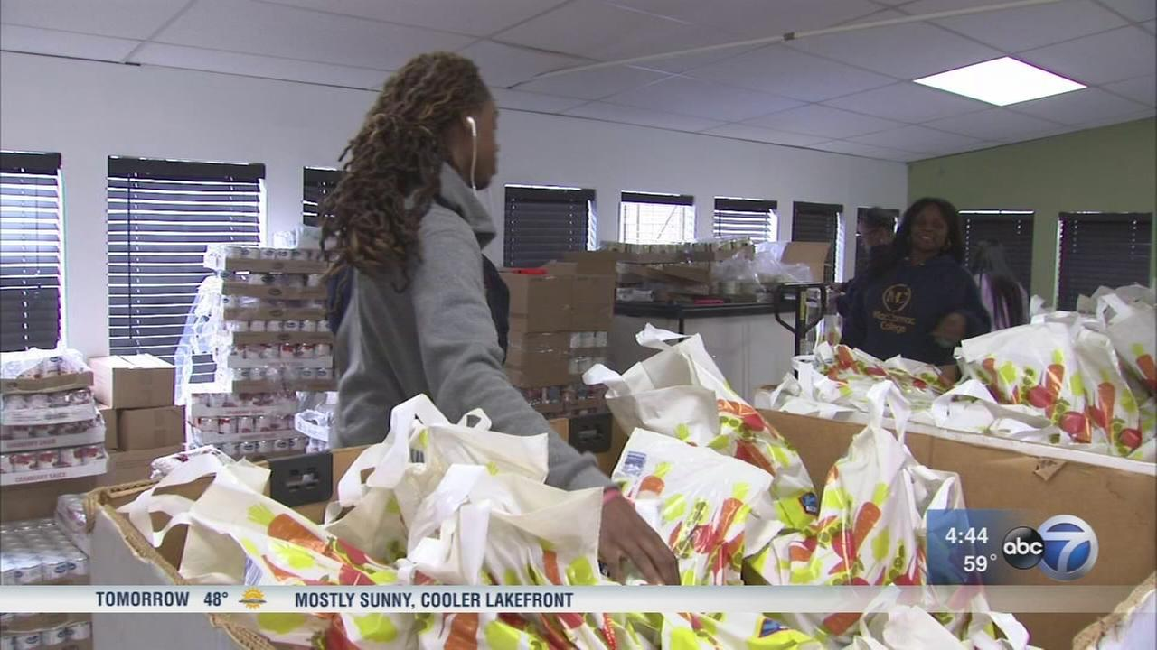 Chicago students among those giving back on Giving Tuesday