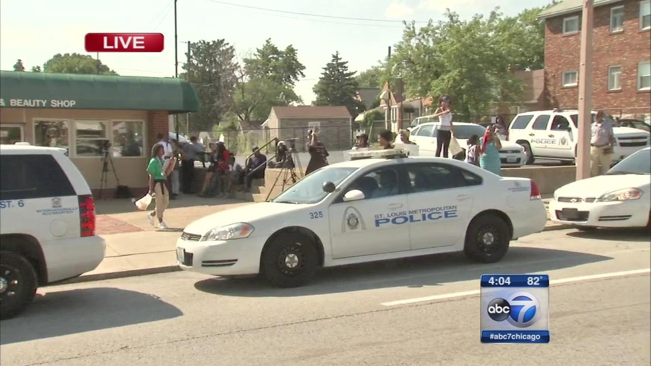 Police: St. Louis officers fatally shoot knife-wielding suspect