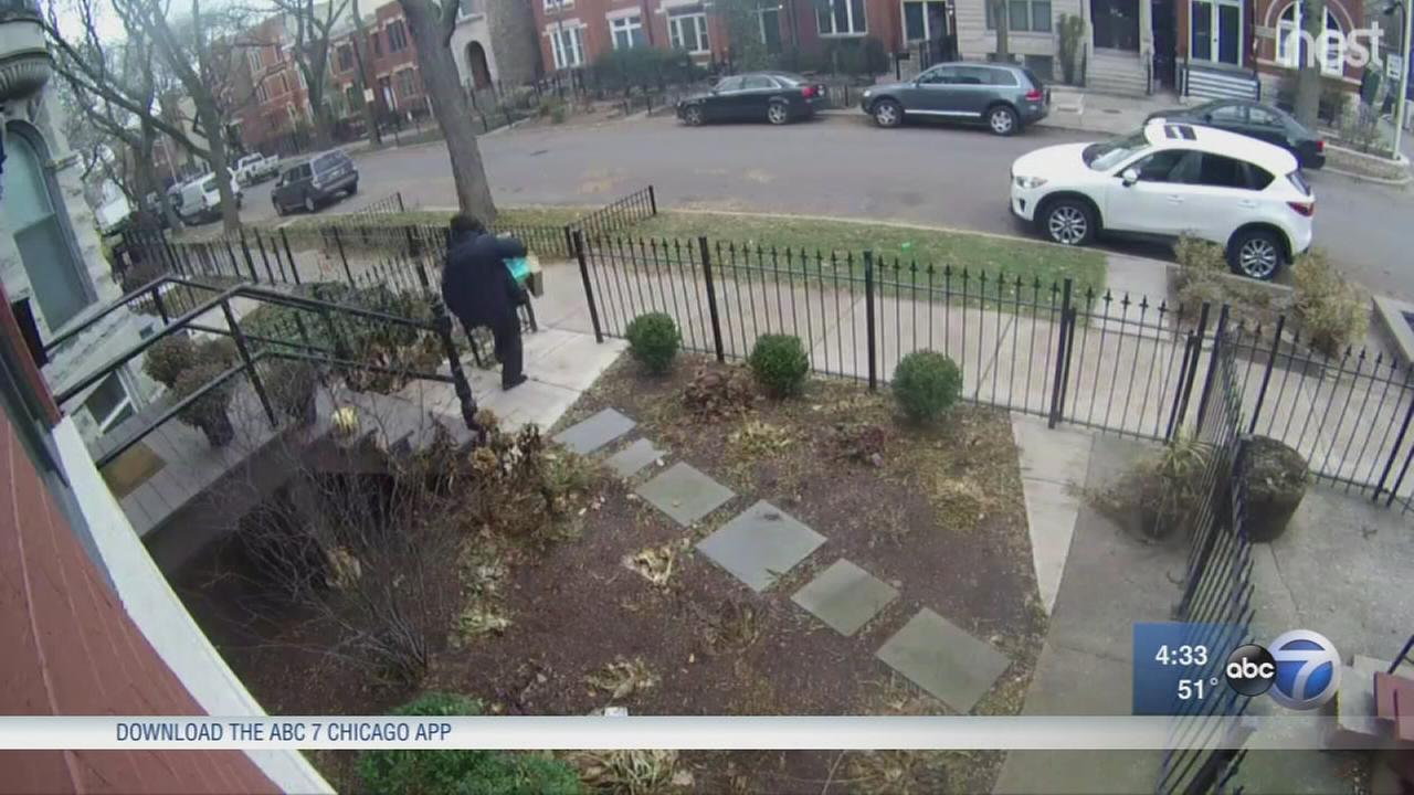 Wicker Park residents fight back against package thefts