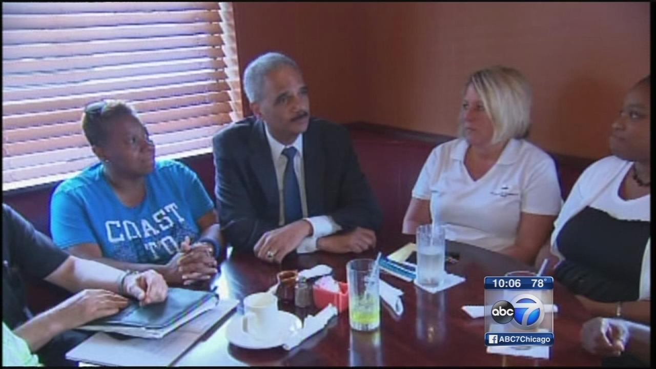 Holder meets with Michael Browns family in Ferguson, MO
