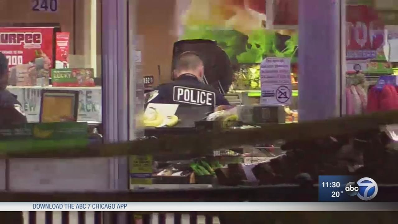 Oak Park 7-Eleven clerk shoots robber