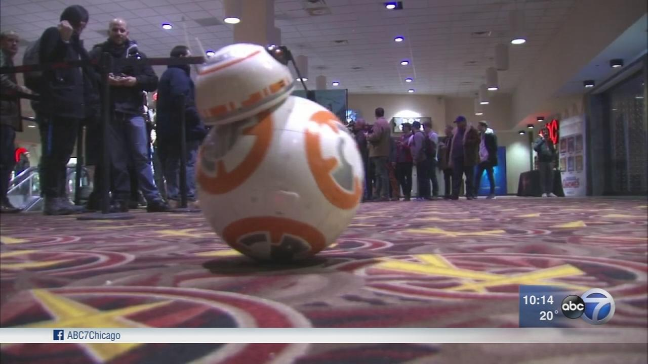 Star Wars: The Last Jedi draws crowds of superfans on eve of release