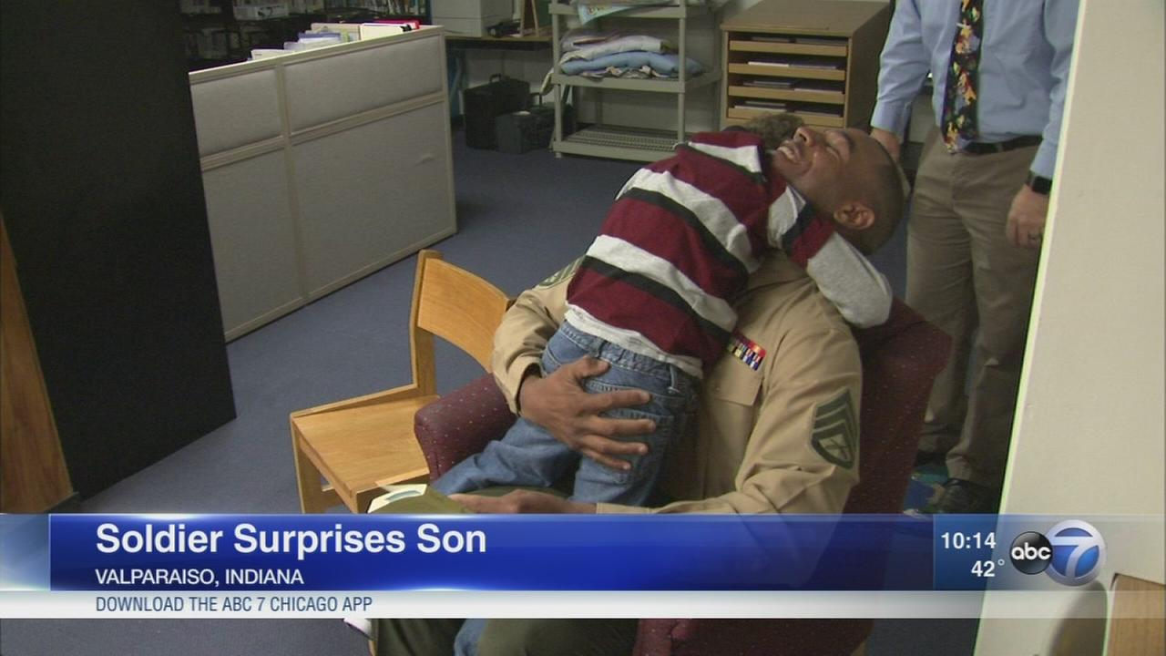 Soldier surprises son at Valparaiso elementary school