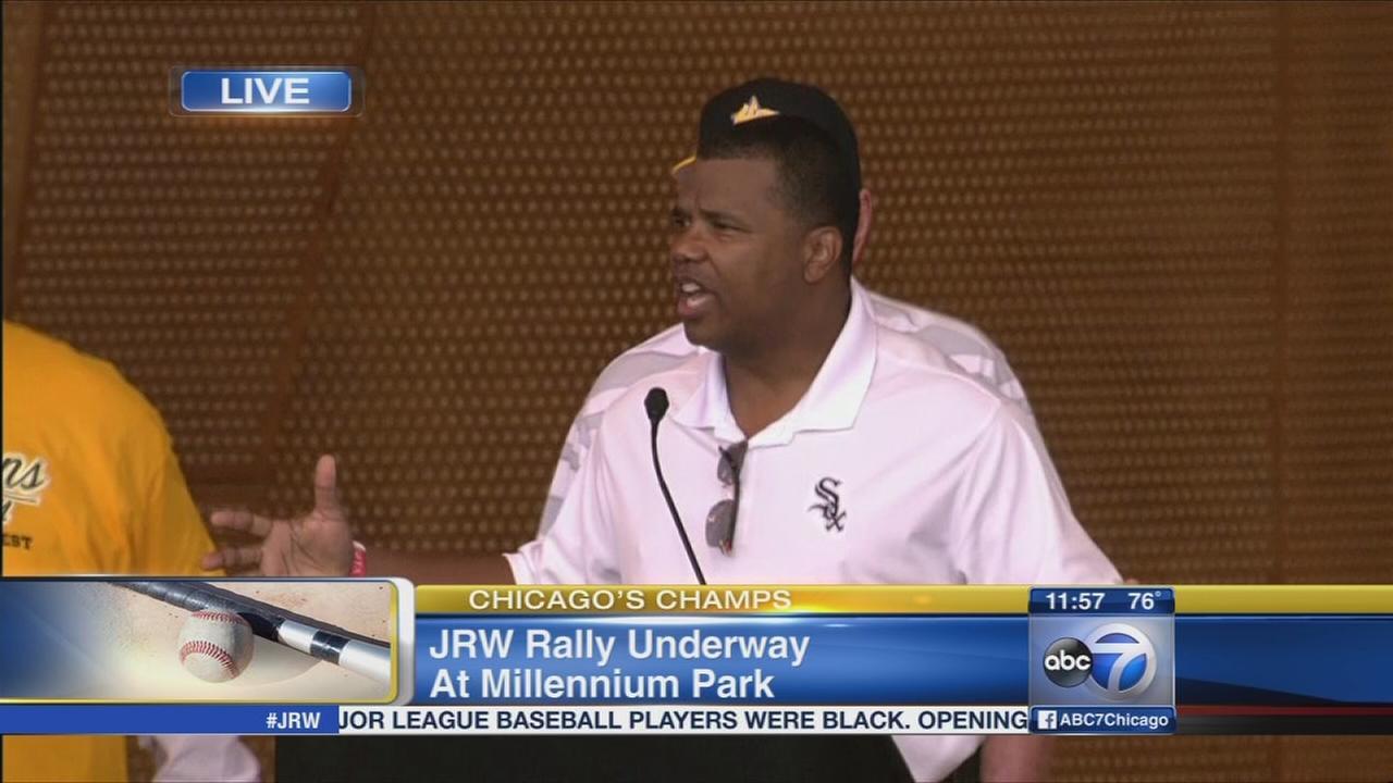 Kenny Williams congratulates JRW