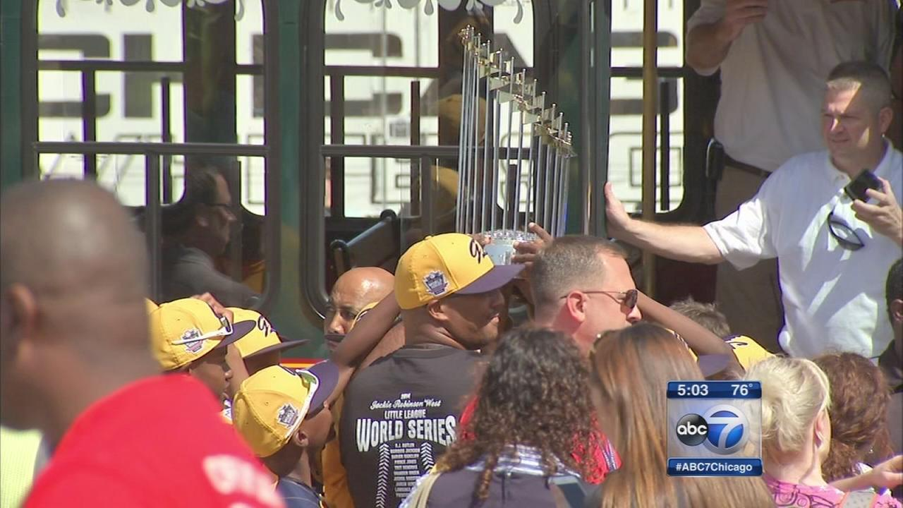 Sox surprise JRW with trophy