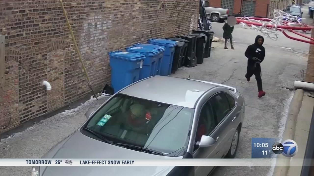 Police searching for suspects in Bucktown armed robberies