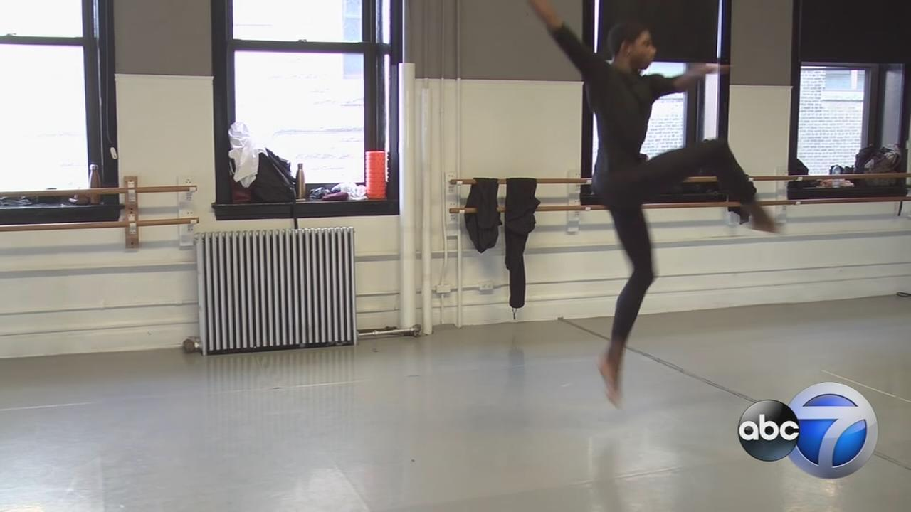 Chicago teen follows dancing dreams