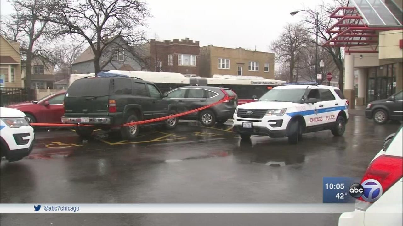 1 dead, 1 injured after pedestrians struck in Avondale parking lot