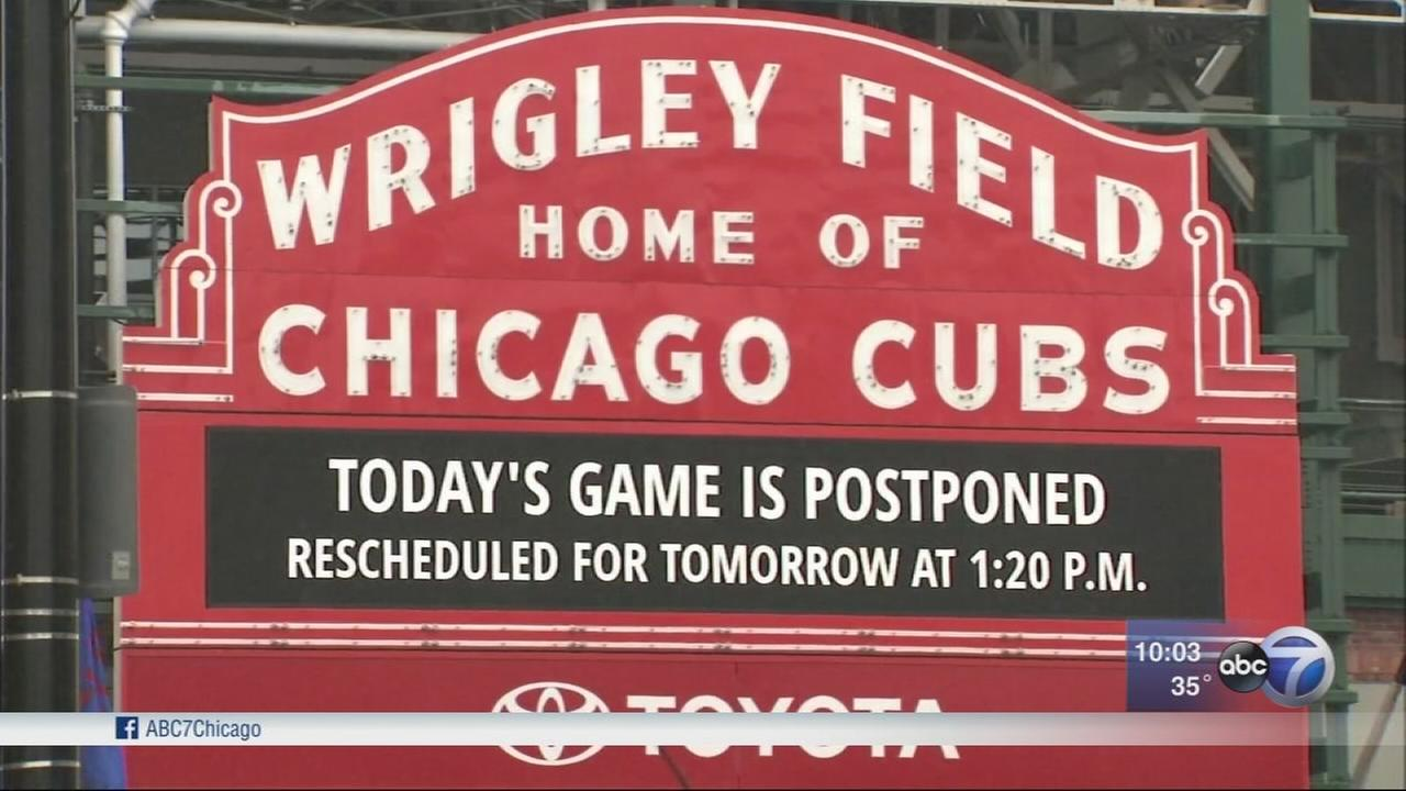Cubs home opener snowed out, White Sox still play