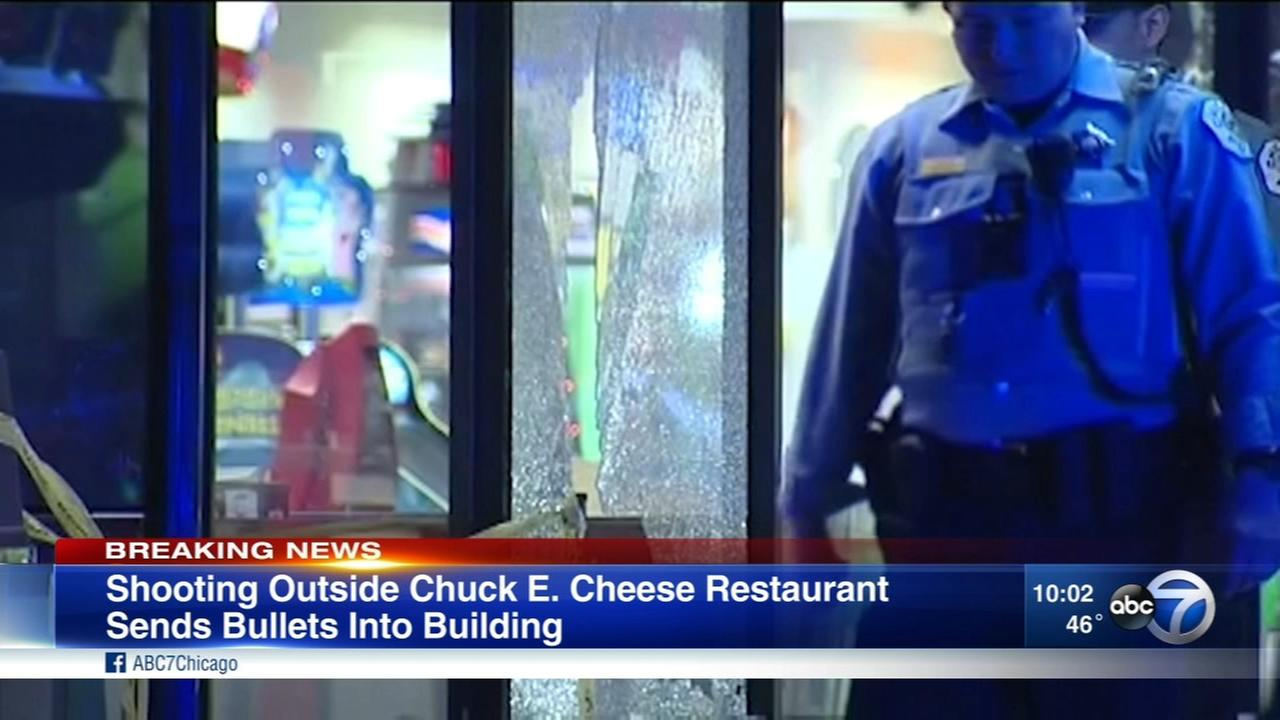 Police: Man shot in hand in Gage Park Chuck E. Cheese parking lot
