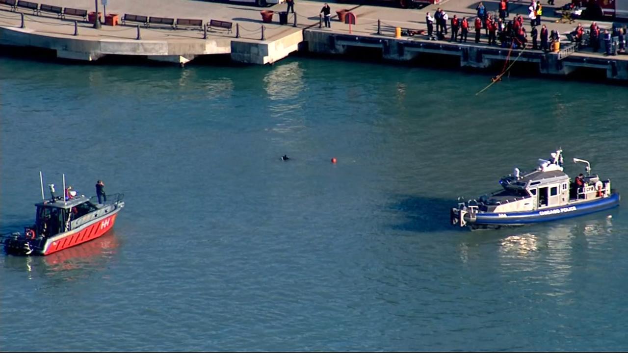Chopper 7HD over Lake Michigan search by Navy Pier