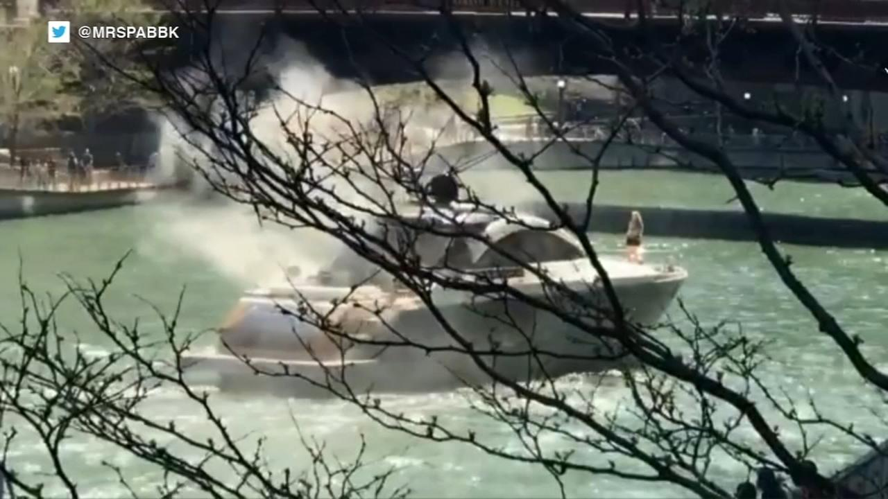 Boat catches fire in Chicago River
