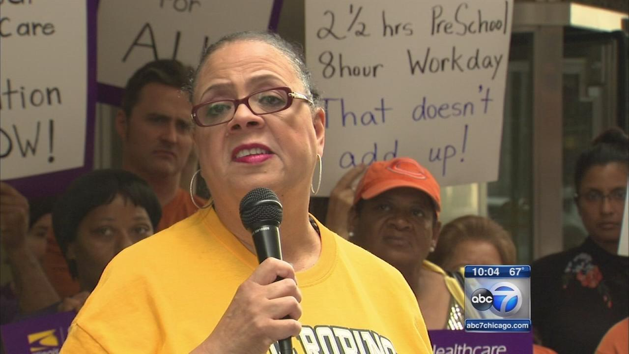 Karen Lewis has brain tumor, not running for mayor