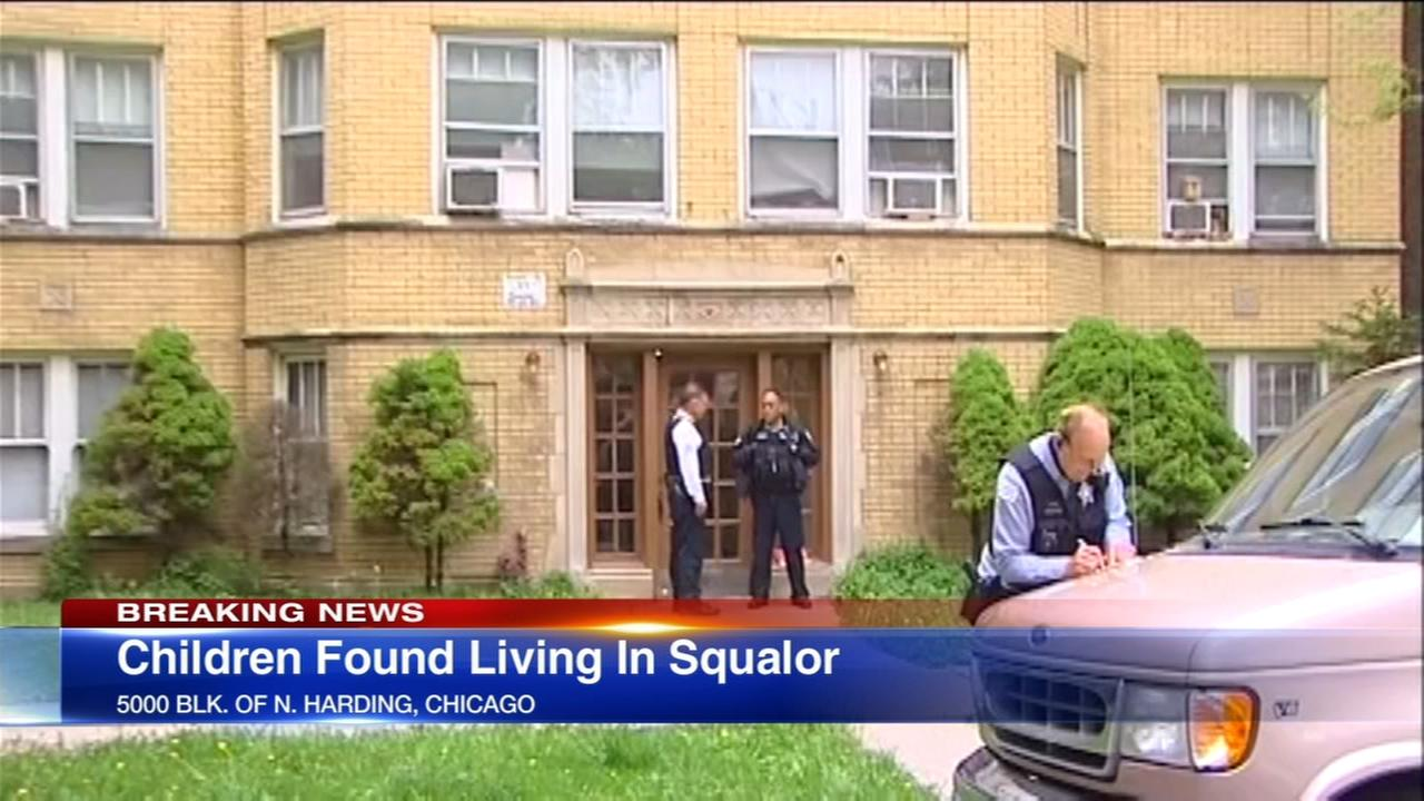 3 children found alone in filthy Chicago home