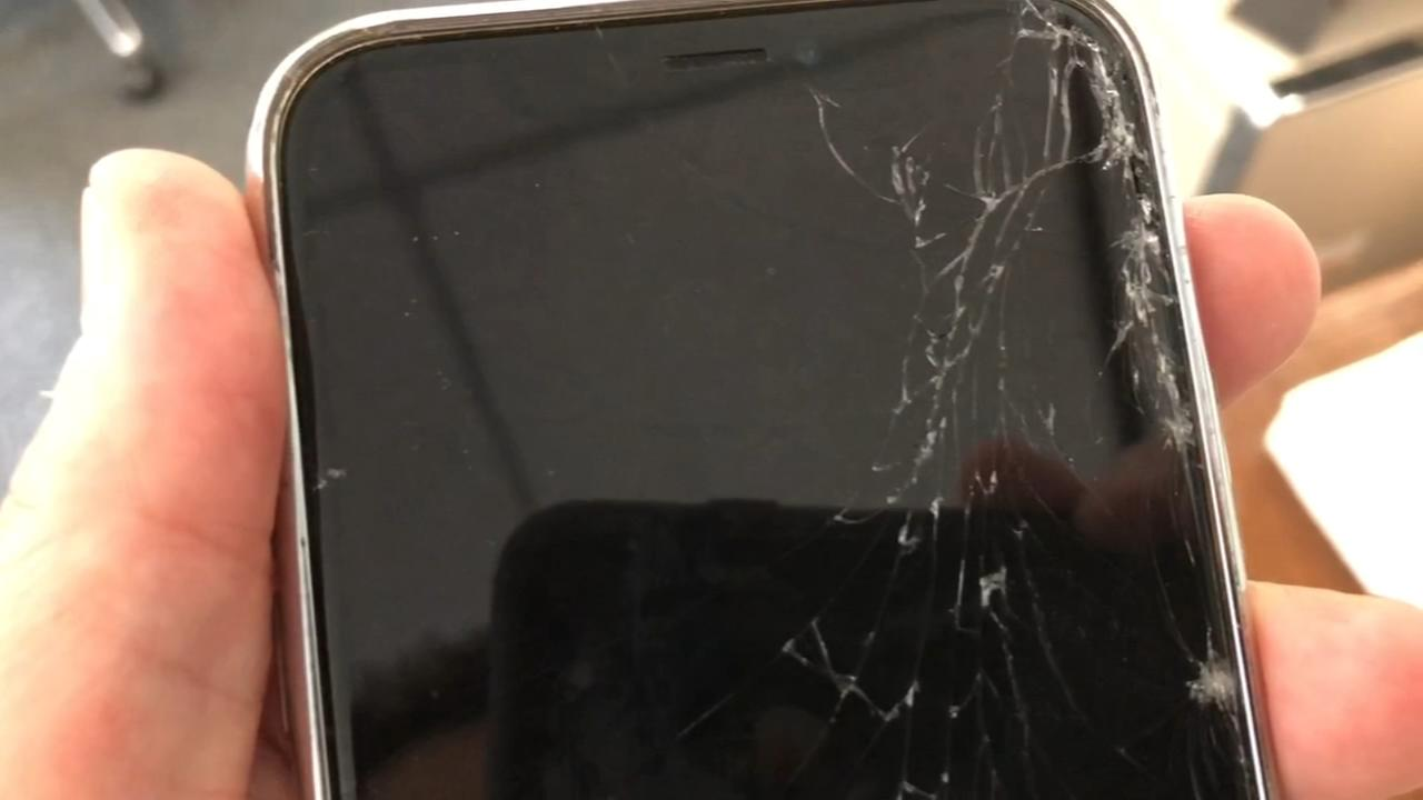 iPhone X screen repair proves pricey and challenging
