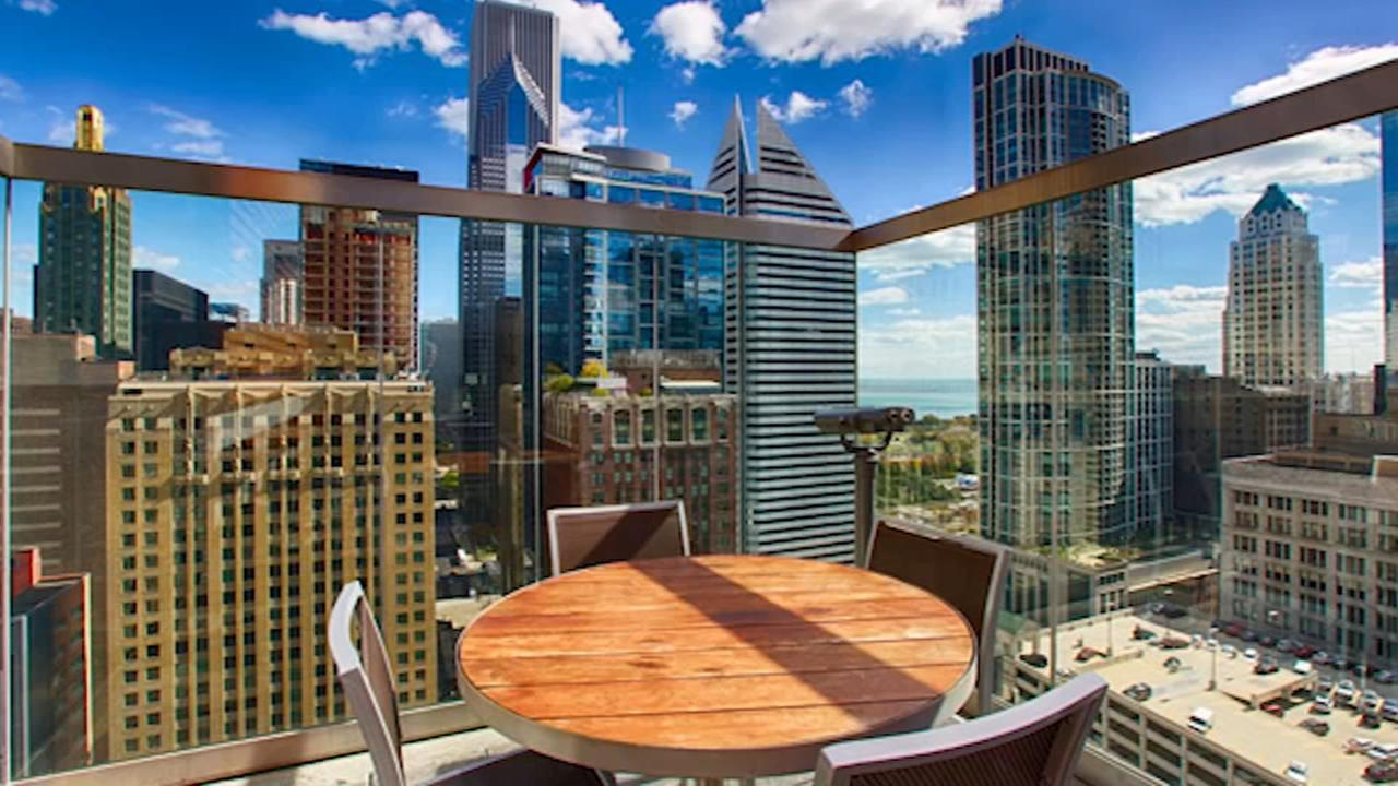 Chicagos hottest rooftop bars and restaurants