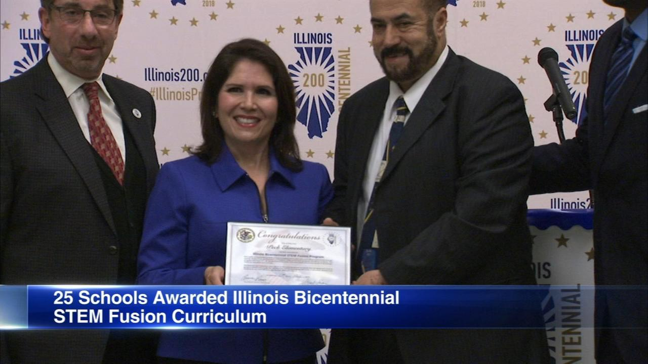 25 Illinois schools receive math, science teacher training