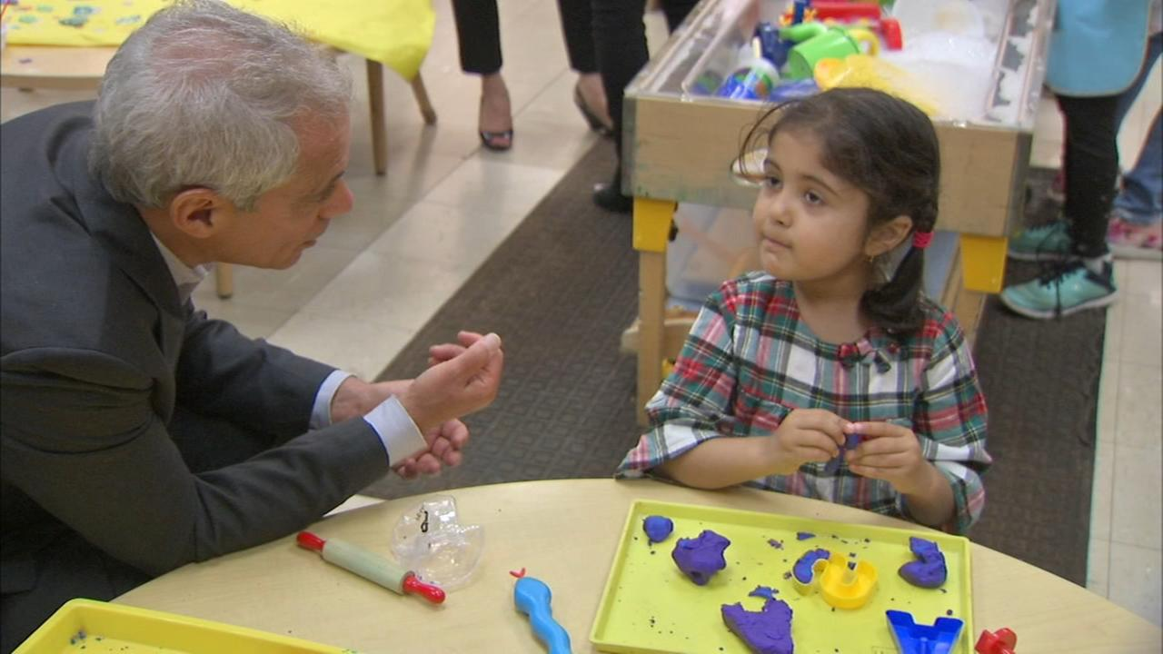 Emanuel promises free pre-K for every child in Chicago
