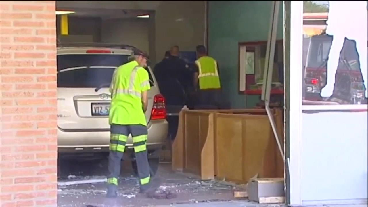 Car crashes into Mundelein daycare