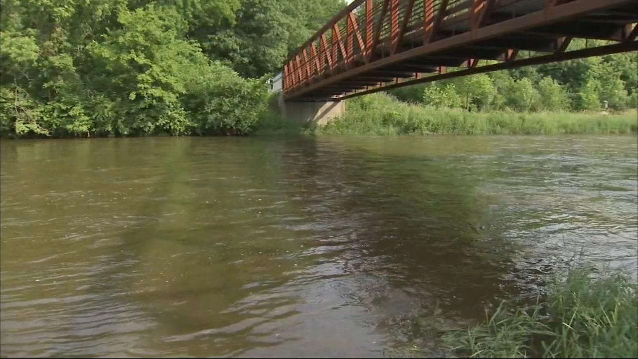 Father, 2 teens rescued from DuPage River after kayaks overturn