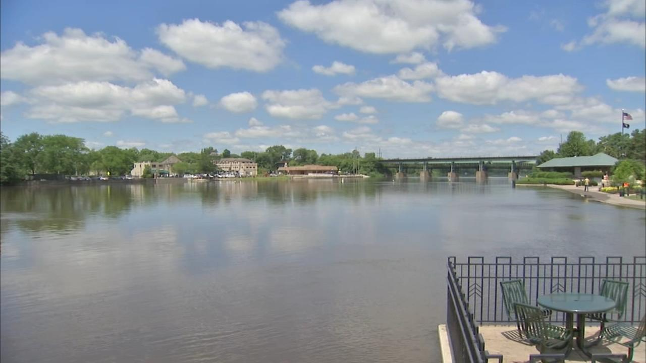Swollen Fox River closed to boaters until Tuesday