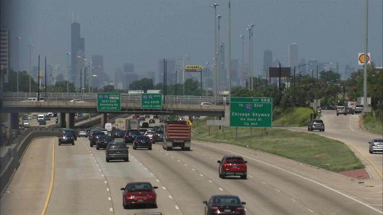 Father Pfleger plans march on Dan Ryan Expressway amid CPD concerns