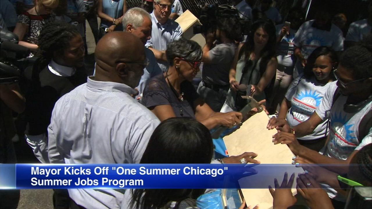 Chicago kicks off One Summer Chicago youth jobs program
