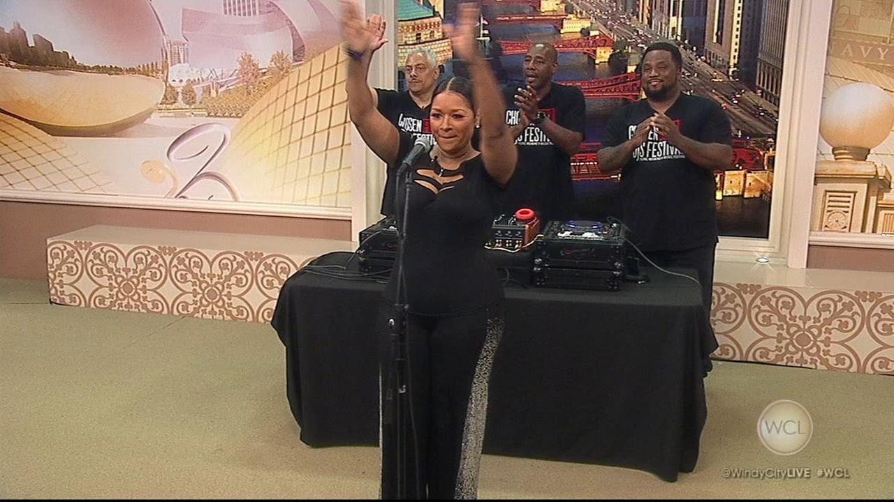 Chosen Few DJs, Sheree Hicks perform