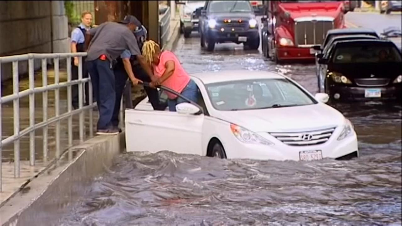 Fast-moving storms bring sudden downpours in Chicago and suburbs