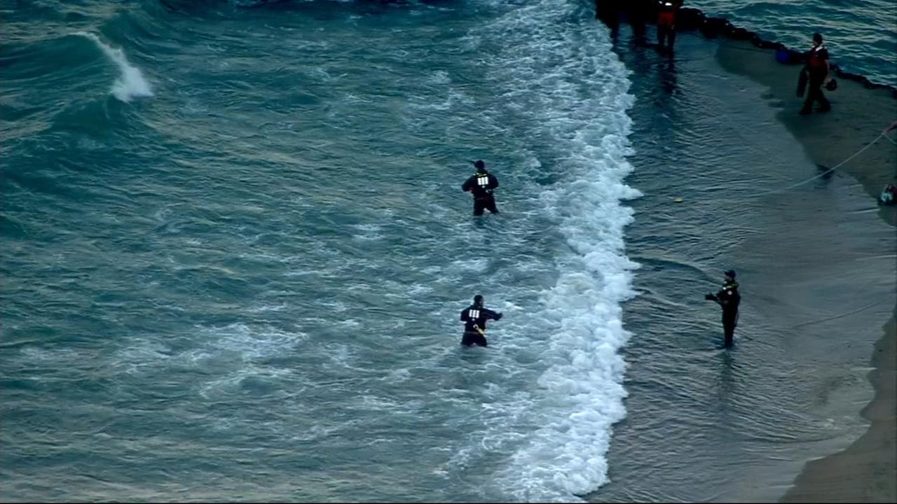 5 people rescued from Lake Michigan