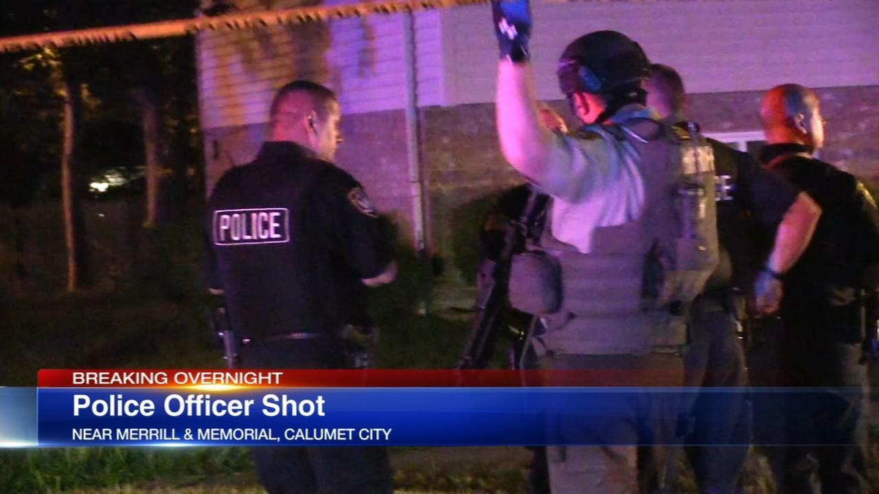 Police officer shot in Calumet City