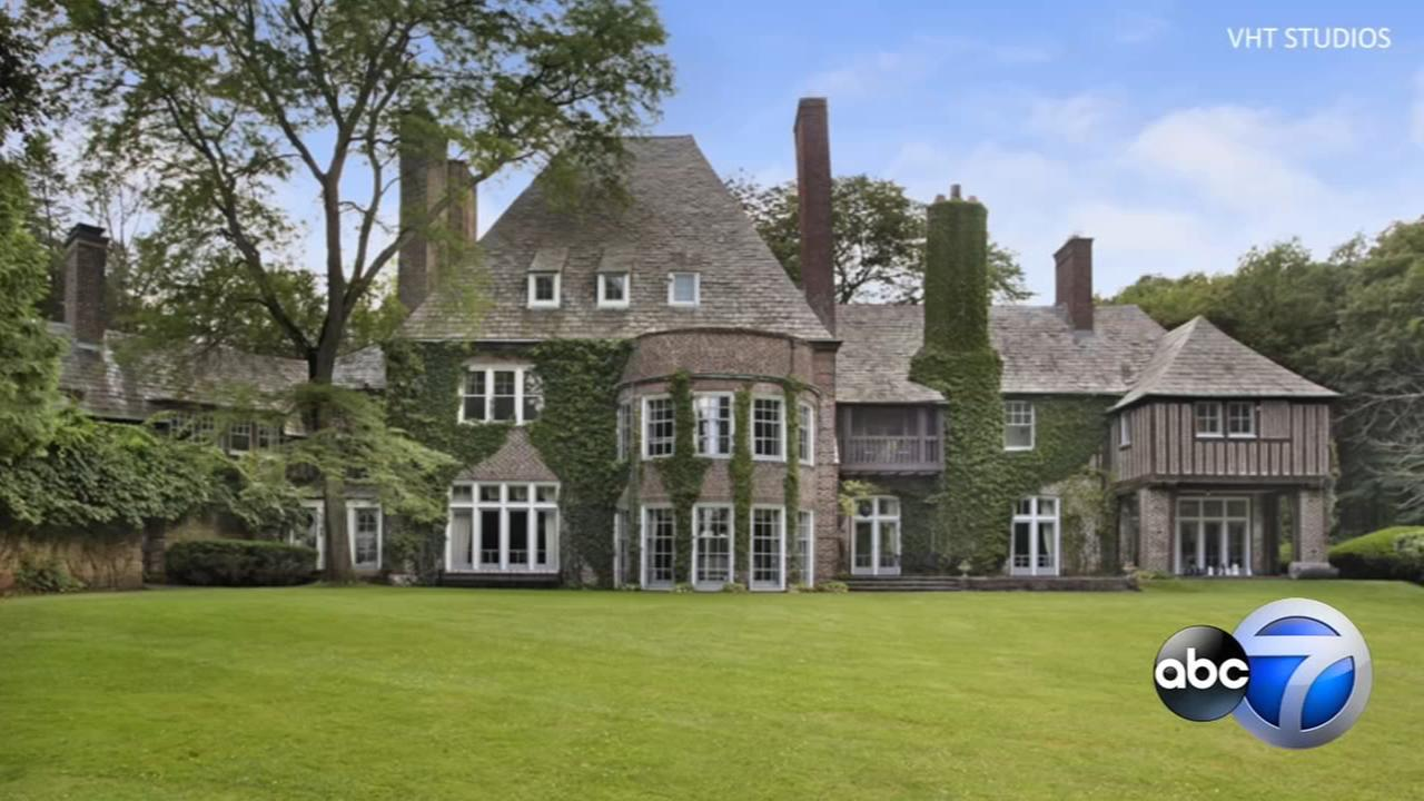 Lake Forest mansion on Lake Michigan hits market at $15M