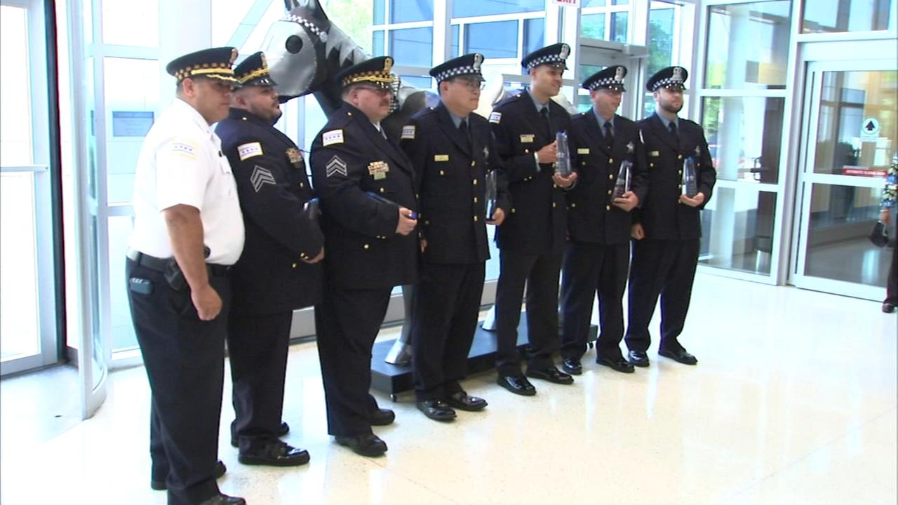 7 CPD officers honored for saving women trapped in burning house