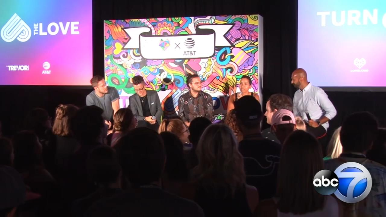 Imagine Dragons star hosts LGBTQ+ event at Mag Mile AT&T store