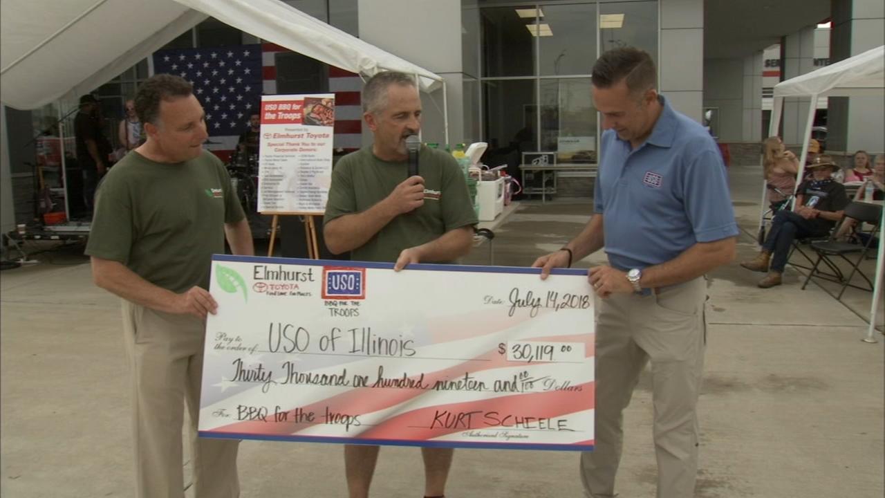 Chicago area car dealers raise money for Illinous USO